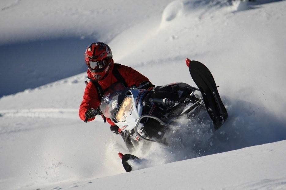 Snowmobile Whistler CWA