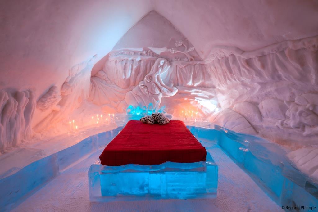 Uitgaan en vertier in de hippe wijk Saint-Roch, net buiten de stadsmuren. Als je tijd hebt bezoek het jaarlijkse ijshotel, Hotel de Glace.