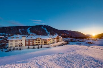 Sun Peaks - Sun Peaks Grand Hotel exterior