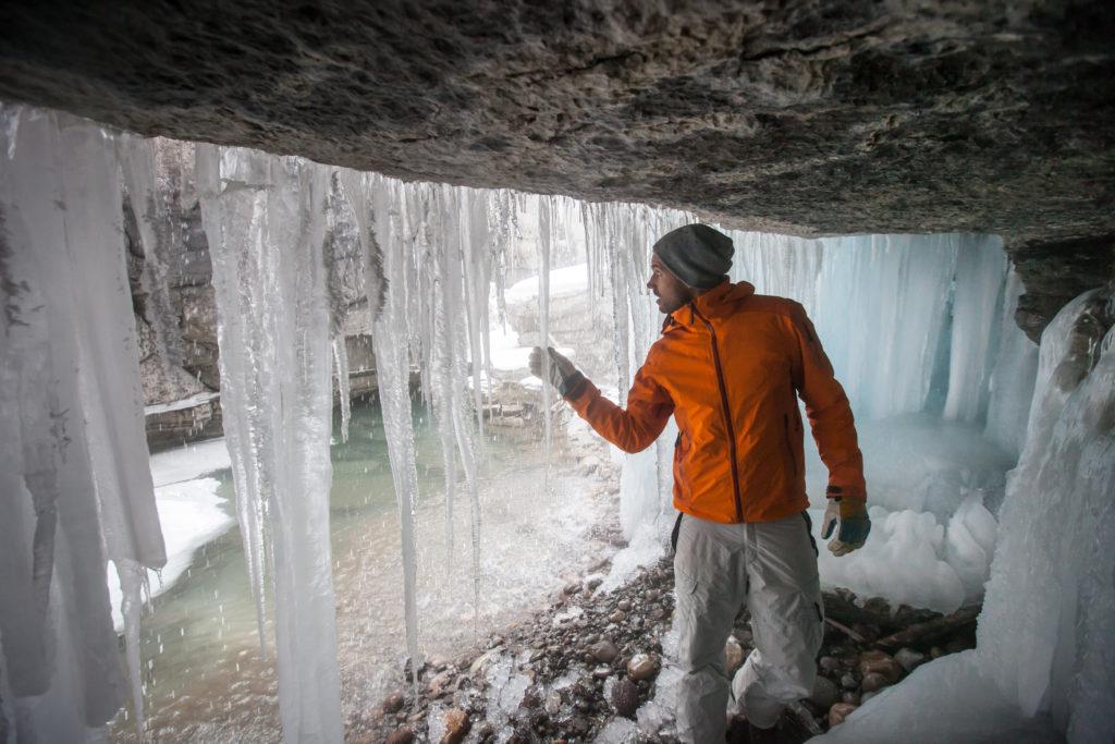 Maak een excursie naar de Maligne Canyon tijdens je wintersportvakantie in Jasper in Canada