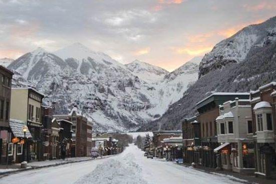 Bij Wintersport Canada Amerika boek je een complete reis naar Aspen voor nog geen € 1500 incl vlucht liftpas en hotel