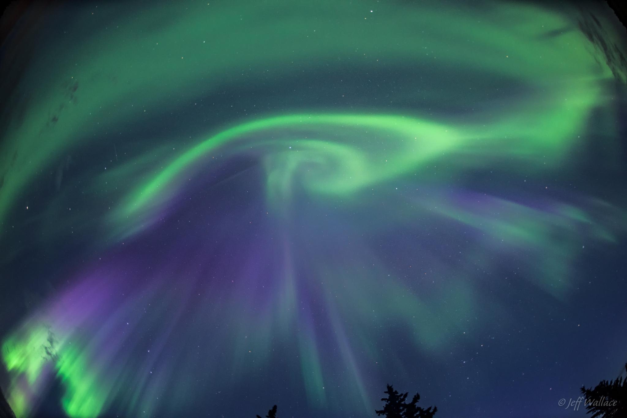 Wist je dat je ook kans hebt het Noorderlicht te spotten tijdens een wintersportvakantie in Canada?