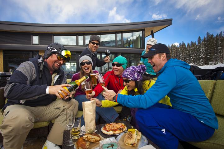 Wintersport Canada Amerika blog: Is de après-ski in Amerika en Canada minder gezellig?