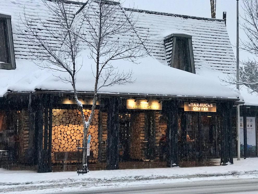 Trending in Sun Valley, Ketchum: Het Limelight Hotel met heerlijke houtoven pizza's, een Poké Bowl Bar, juicebar's en diverse koffietenten.