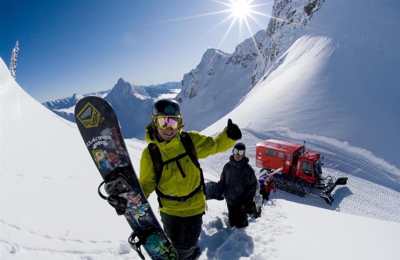 Cat skiën is een vorm van begeleid backcountry skiën. In plaats van te voet omhoog hiken (skitouren), of met een skilift of met een helikopter naar boven te gaan, worden de skiërs met een snowcat naar boven gebracht.