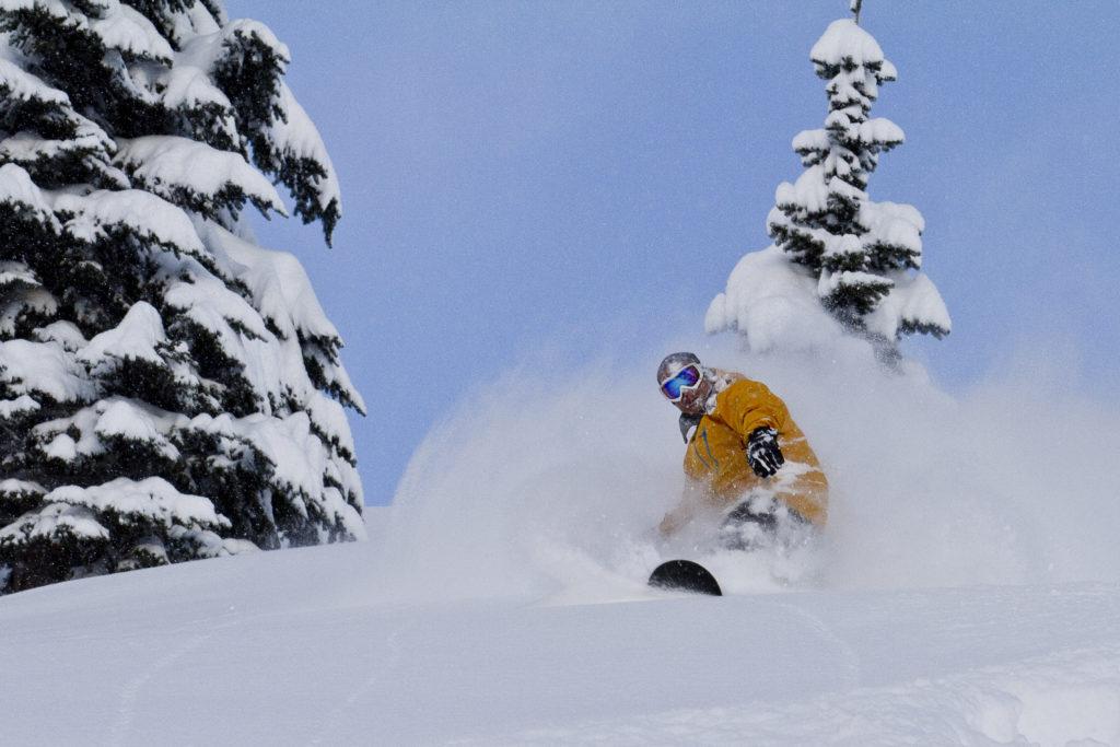 In Fernie kun je er op rekenen dat je tijdens je wintersportvakantie de bekende poedersneeuw gaat ervaren.