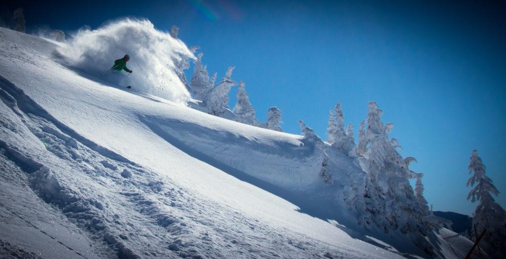 In Revelstoke is de kwaliteit van de poedersneeuw fantastisch, boek nu je wintersport naar Canada!