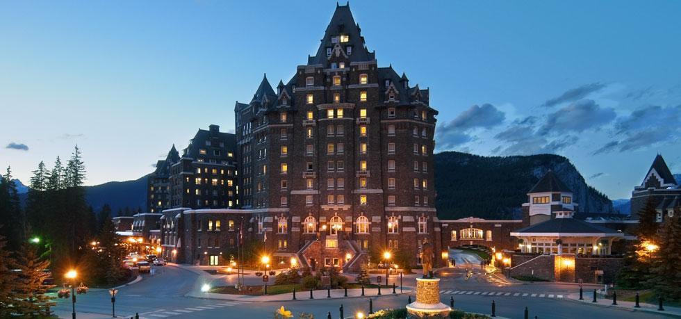Banff Springs Hotel is een 5 sterren hotelaccommodatie waar gasten van Wintersport Canada Amerika graag logeren