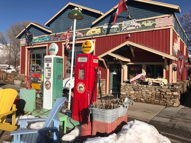 Koffie to go! Ben je onderweg van het skigebied Sundance naar Park City in Amerika, stop dan zeker bij Fill'er Up in Midway