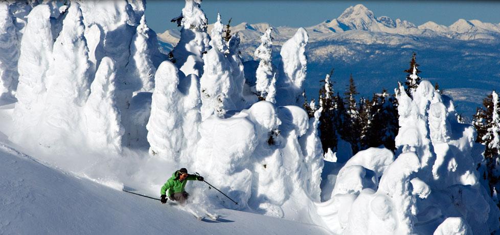 Sun Peaks staat bekend om geweldige snowghosts. Revelstoke paradijs voor gevorderden en experts incl catskiën.