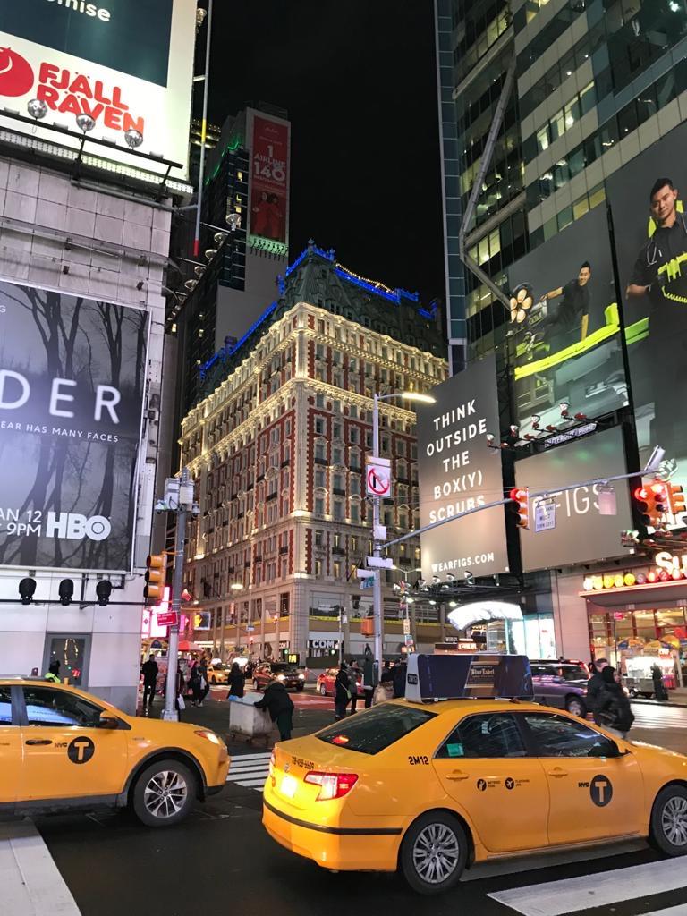 Time Square in New York heeft een oneindige aantrekkingskracht, in de winter is het nog meer verlicht