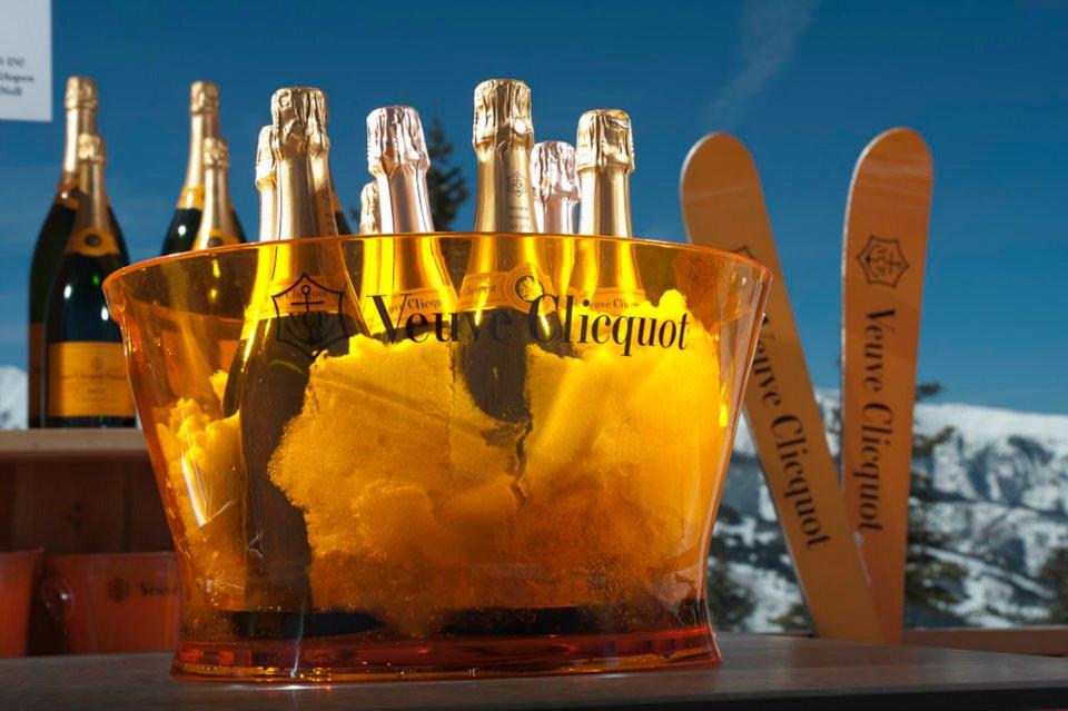 Uitgebreide après-ski vind je in Aspen in Amerika. Er zijn hippe wijnbars, nachtclubs, lounges en mountainlodges op de piste