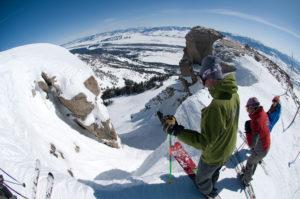 Wintersport in Canada of Amerika, leer de skitermen die specifiek zijn voor je skivakantie zoals Chute
