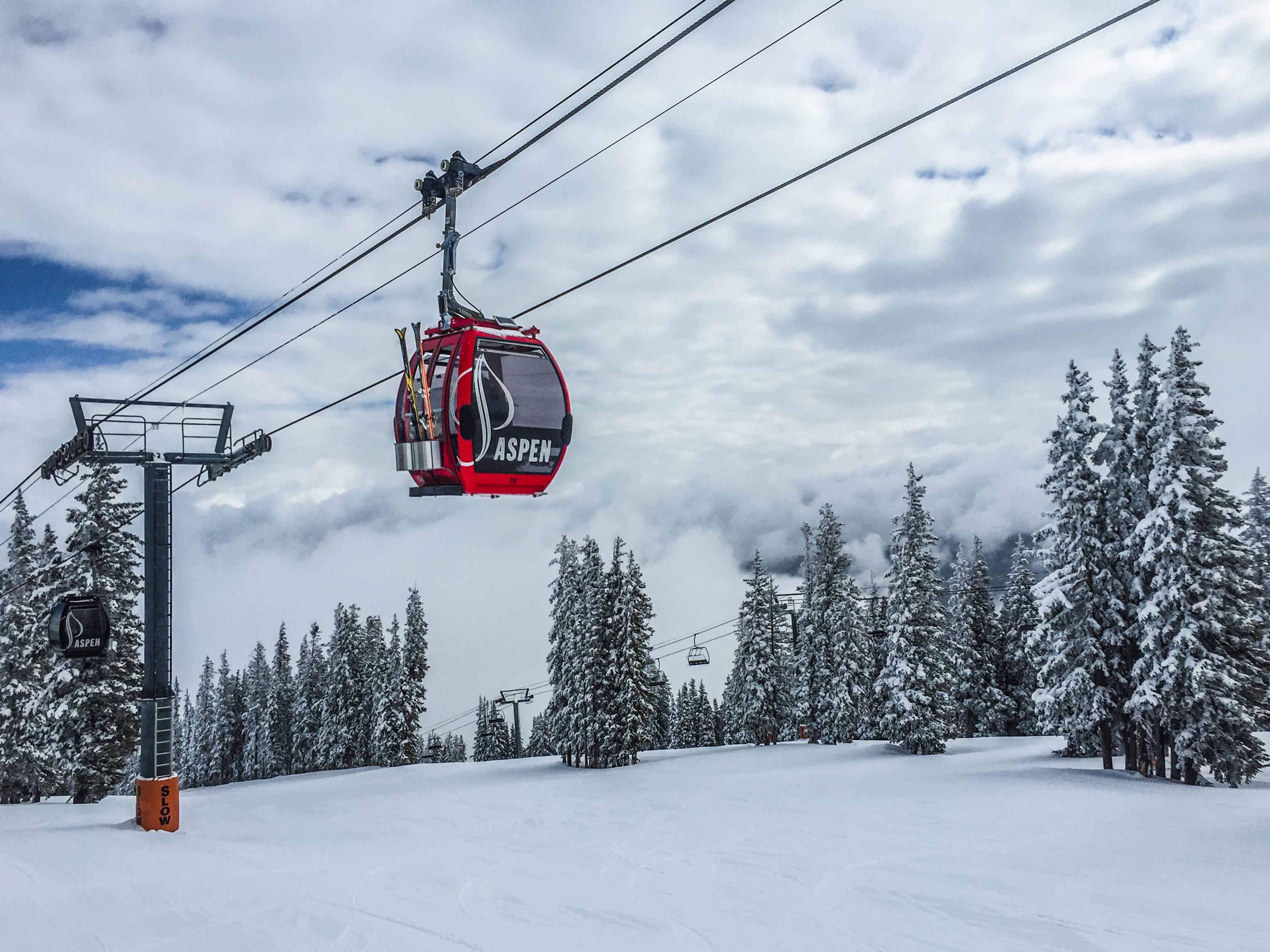 In het skigebied Aspen in Colorado ontvangen kids t/m 12 jaar korting op een combi deal van liftpas en huur materiaal